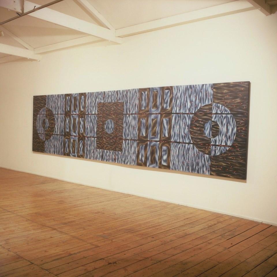 Alternation Network 601 x 153 cm