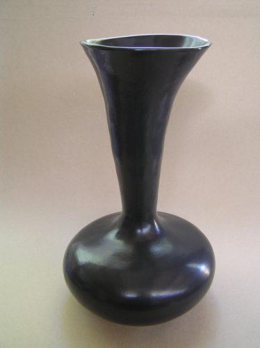 Trumpet Vessel Black Satin